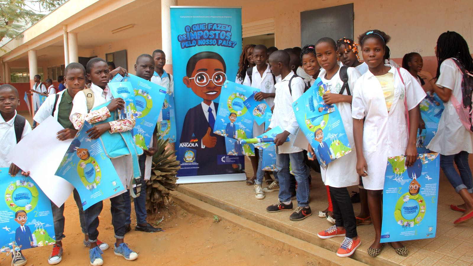 A campanha teve intensa actividade nas escolas do ensino fundamental