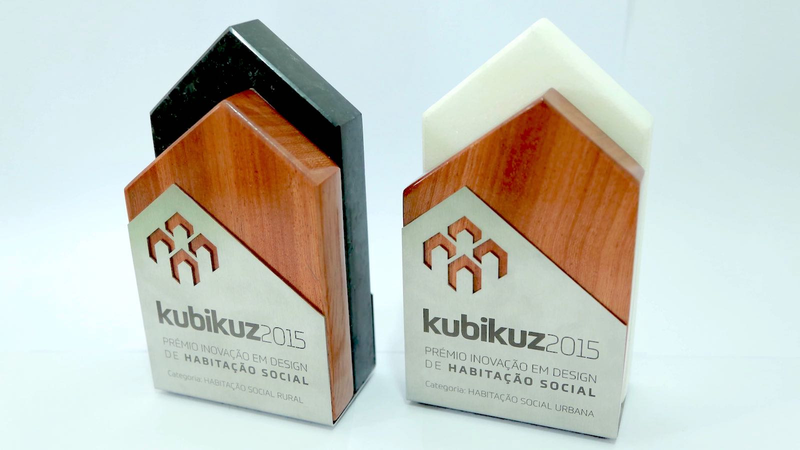 For the conception of the Kubikuz trophies, we partnered with Atelier Mulemba to come up with a way to incorporate the local traditional materials, normally use on house contraction across the country. Both pieces were created to reflect the categories